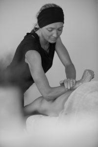 Ruth Martin back massage - Chamonix Mont Blanc